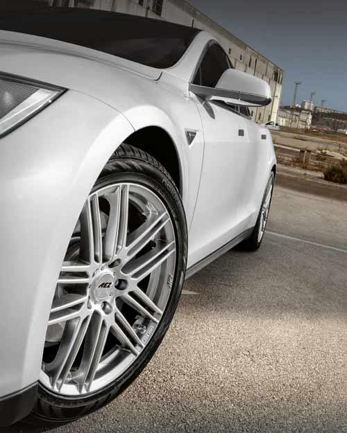 Dunkles Design-Highlight veredelt moderne Fahrzeuge – das AEZ Cliff dark