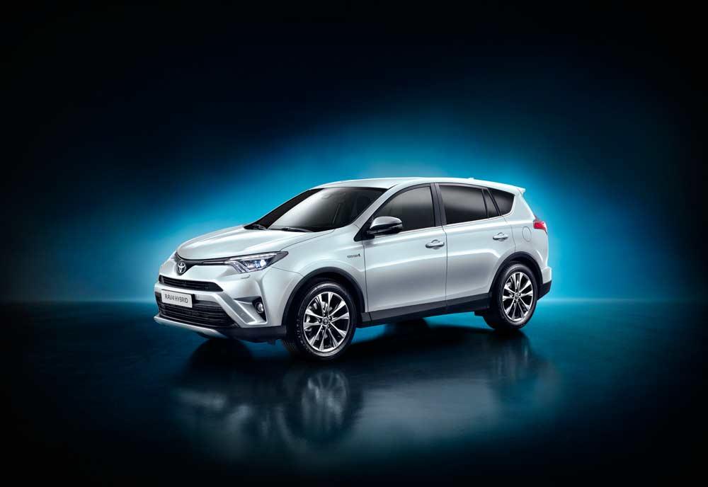 Auf der New York International Auto Show (-2.4.2015) präsentiert Toyota den RAV4 Hybrid. Damit bringt Toyota Hybrid-Power in die Midsize-SUV Baureihe RAV4 und realisieren zugleich einen elektronischen Allradantrieb, der für Sicherheit und Fahrstabilität sicherstellt.