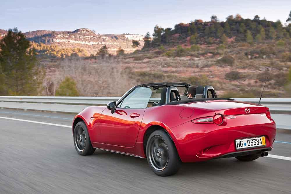 Der neue Mazda MX-5 ist ab sofort zu Preisen ab 22.990 Euro im Handel bestellbar.