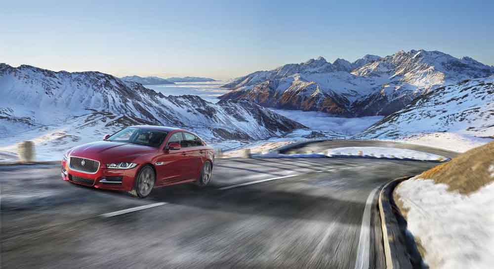 JAGUAR_XE_AWD_Location_04_LowRes