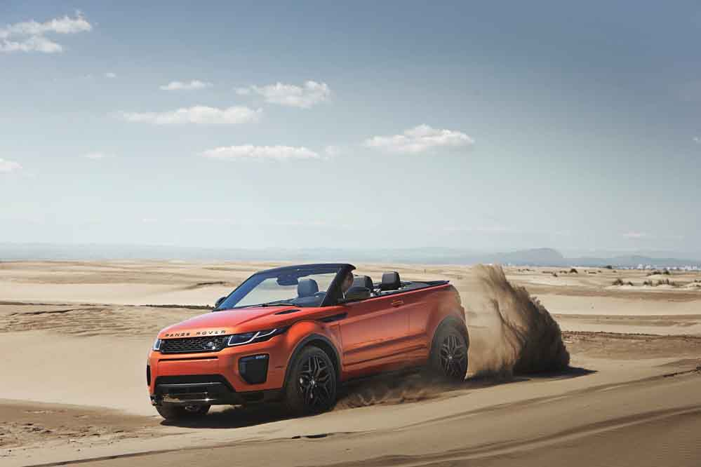 RR_EVQ_Convertible_Driving_Sand_091115_10_(121436)