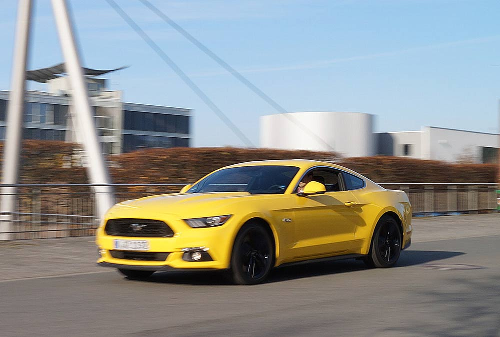 ford_mustang201511_02