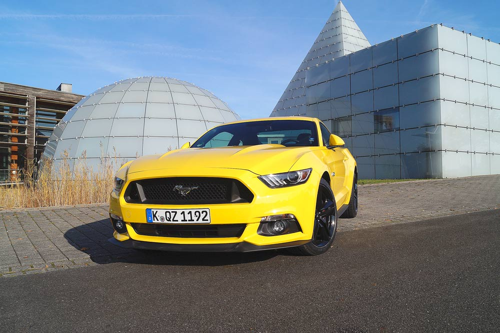 ford_mustang201511_03
