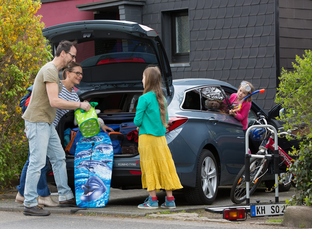 Sorglos-in-den-Sommer-–-Tipps-für-eine-sichere-Reise-mit-dem-Auto