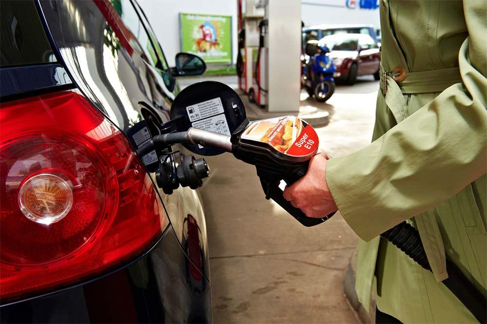 ADAC-Benzin-und-Diesel-zu-Jahresbeginn-teurer
