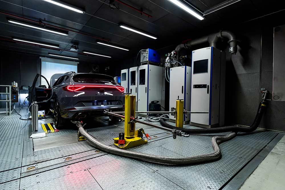Seat-nimmt-Motoren-Testzentrum-in-Betrieb