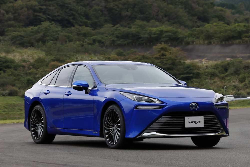 Wasserstoff-statt-Strom-Brennstoffzellen-Limousine-Toyota-Mirai-mit-neuer-Plattform