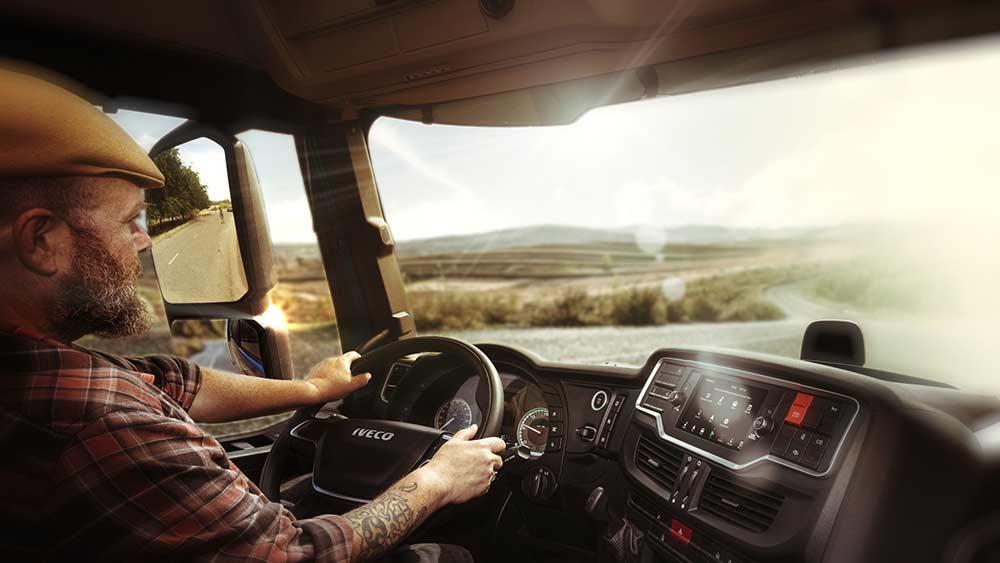 Iveco-startet-eine-Amazon-Web-Services-AWS-basierte-Sprachsteuerung-f-r-Lkw-Fahrer