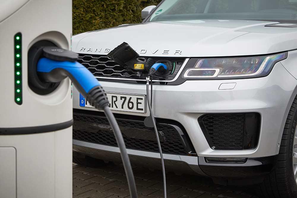 Range-Rover-Evoque-und-Land-Rover-Discovery-Sport-als-PHEV