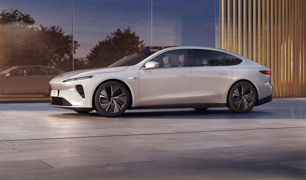 Feststoffbatterie-Nio-bringt-Elektro-Limousine-ET7-mit-Wechselakku-und-bis-zu-tausend-Kilometer-Reichweite