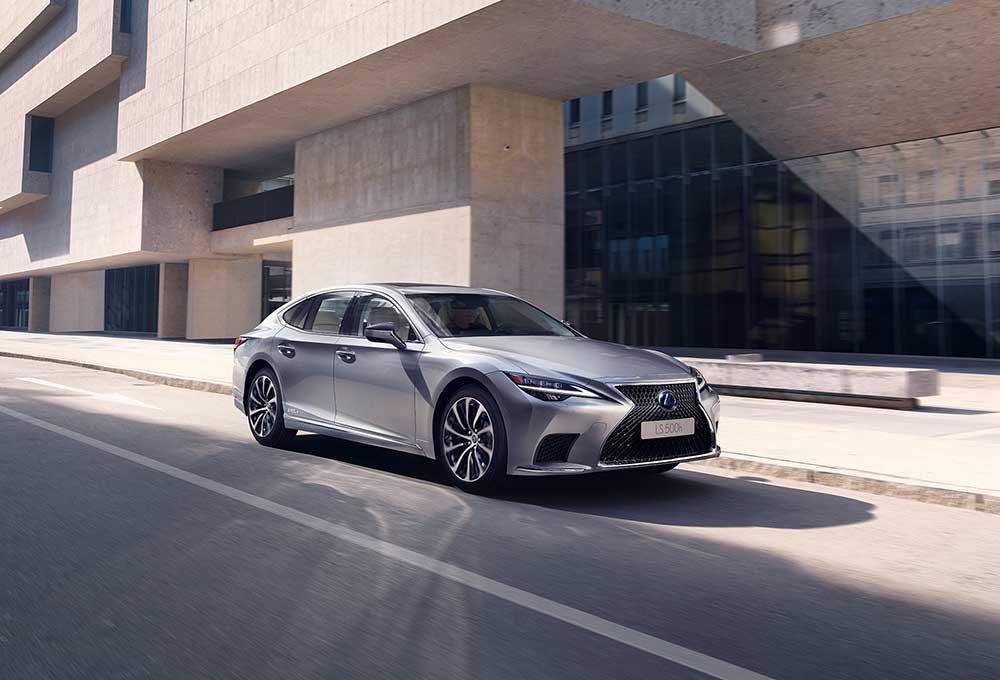 Lexus-LS-Erh-hte-Leistung-der-Lithium-Ionen-Hybridbatterie
