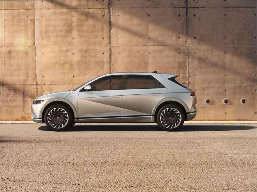 Elektroauto-Weltpremiere-Hyundai-stellt-Ioniq-5-mit-800-Volt-Batterie-vor