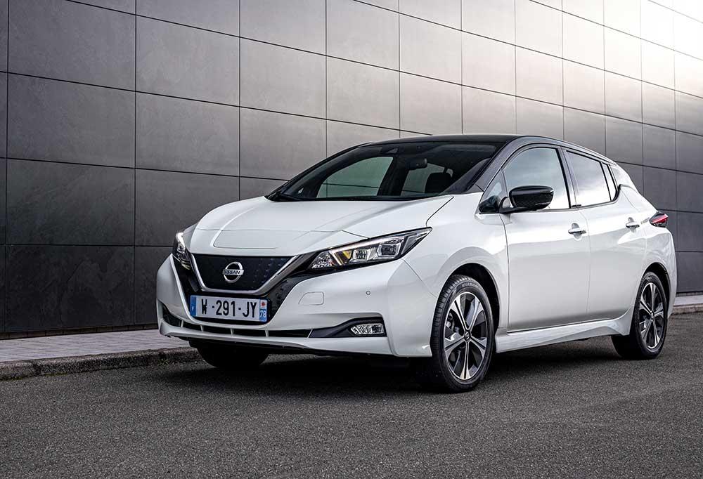 Nissan-feiert-Geburtstag-des-Leaf-mit-einem-Jubil-umsmodell