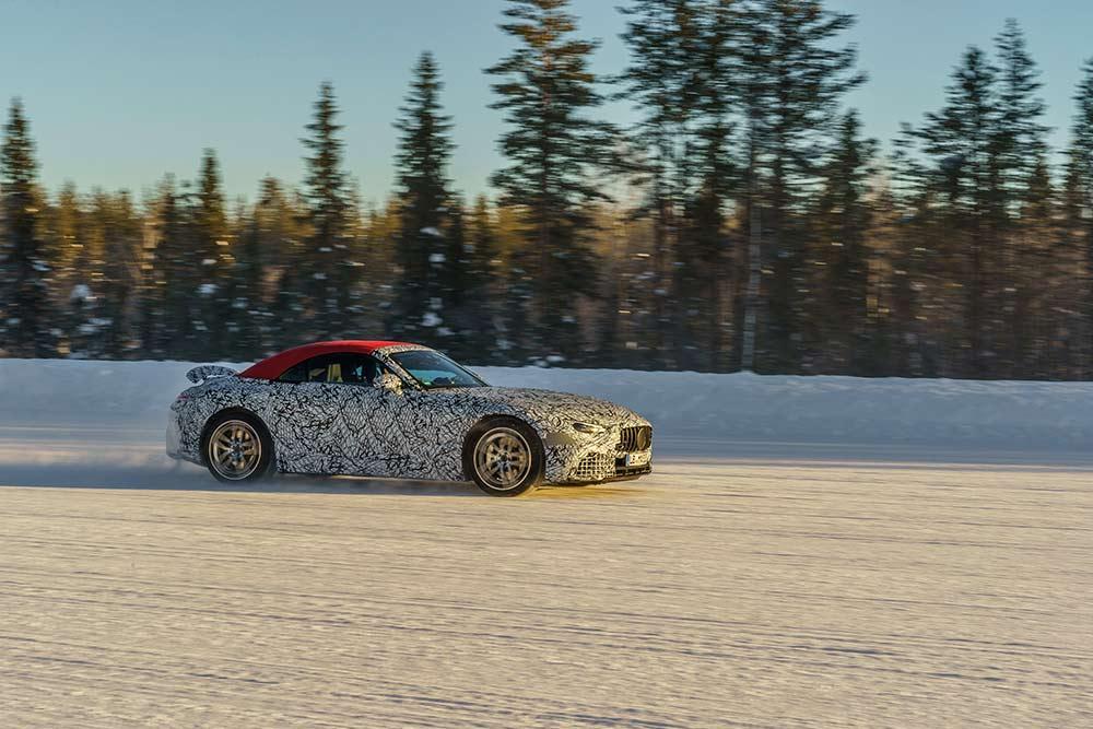 Zuk-nftiger-Mercedes-AMG-SL-auf-abschlie-ender-Wintererprobung