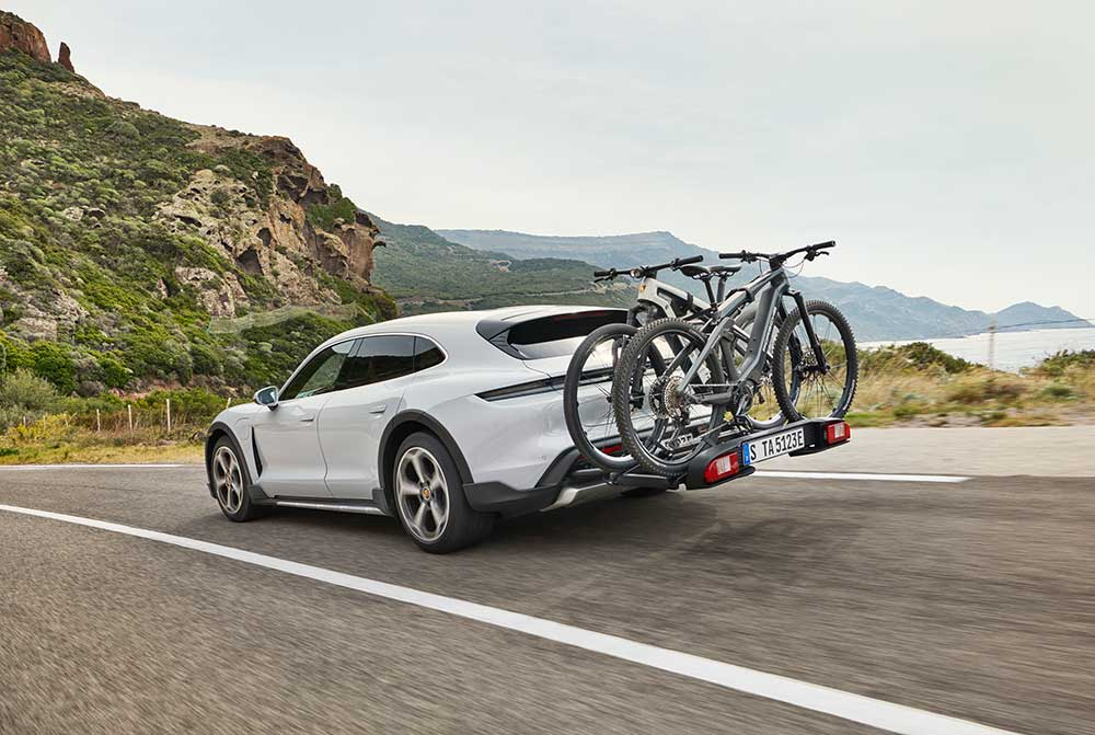Porsche-Taycan-Cross-Turismo-Weltpremiere-eines-Elektro-Sportwagen-mit-Vielseitigkeit