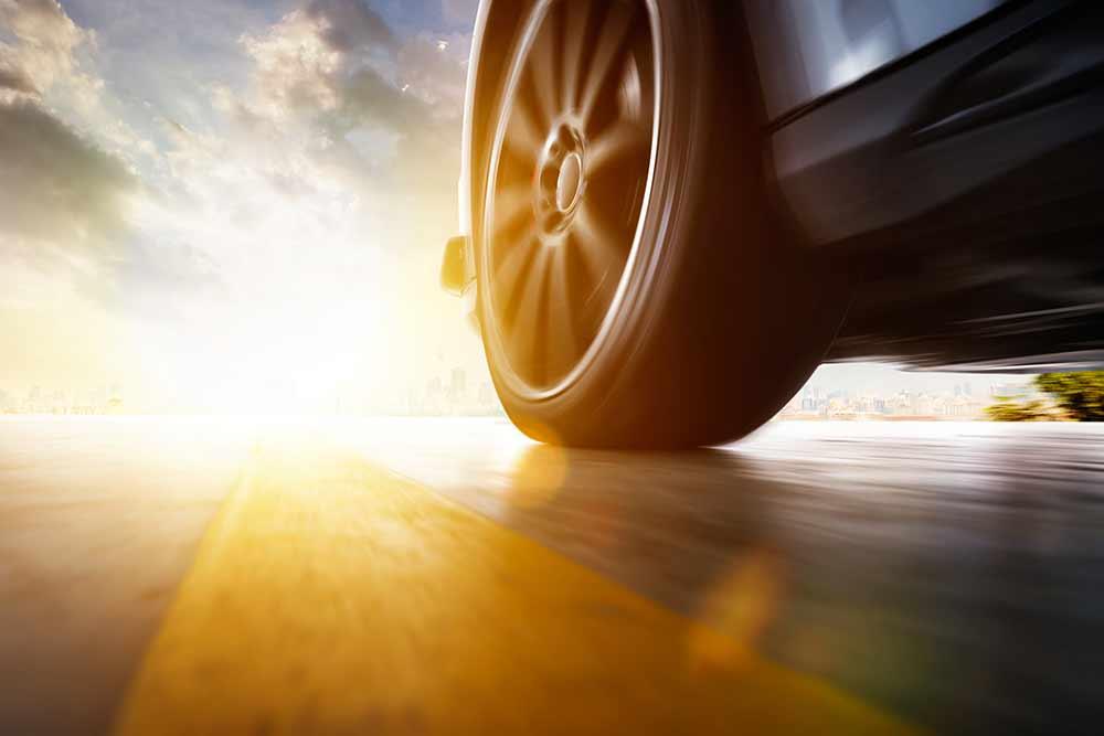 Demonstrationsfahrzeug-Goodyear-und-TNO-testen-in-Fahrzeugstudie-neues-intelligentes-Bremssystem