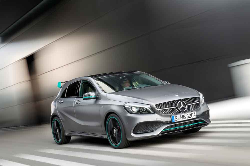 Mercedes-Benz A 250 Motorsport Edition, Mountaingrau Magno, Interieur Leder/Mikrofaser DINAMICA schwarz
