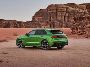 Hankooks UHP-Sommer- und Winterbereifungen auf Audi RS Q8 in der Erstausrüstung
