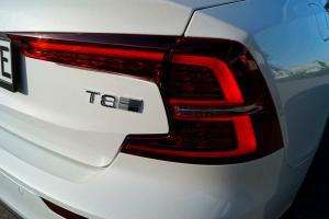 Volvo S60 T8 Twin Engine AWD Inscription - 390 PS - MJ 2020