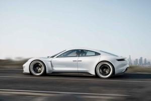Porsche Mission E - Konzeptstudie  IAA 2015