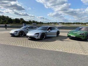 Porsche Taycan MJ 2021